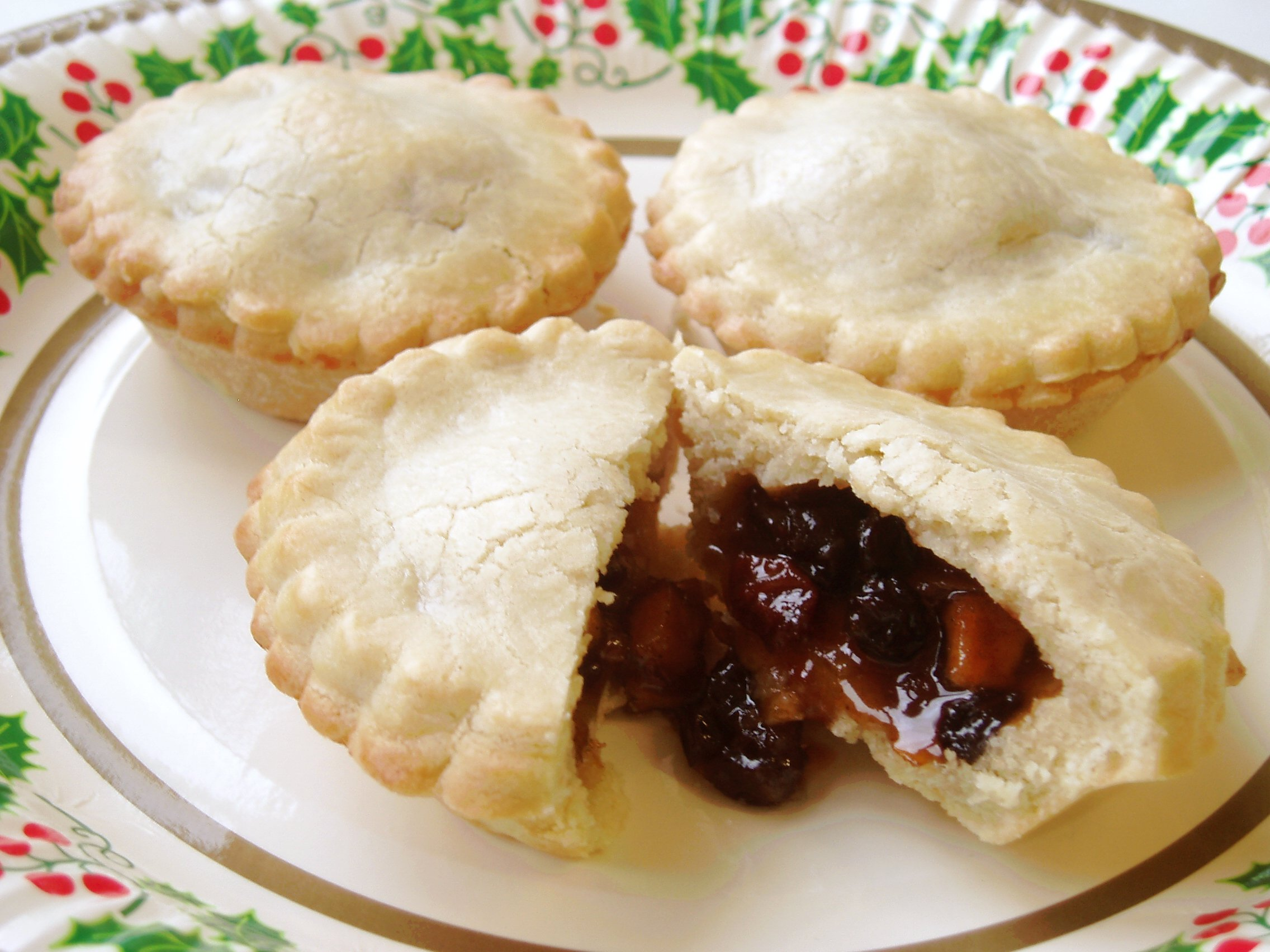 ... mince pies (complete with zingy, citrusy, homemade candied peel