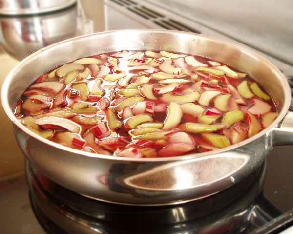 rhubarb poaching