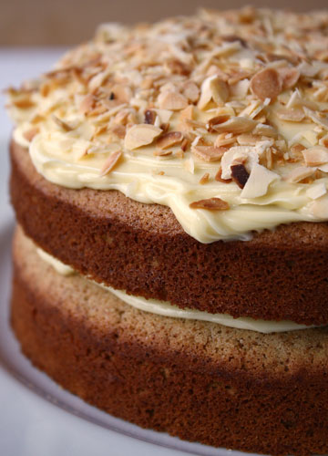 banana-cake-close