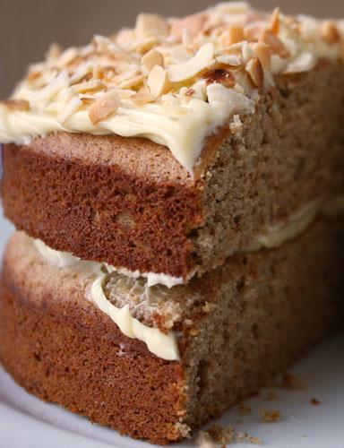 banana-cake-cut